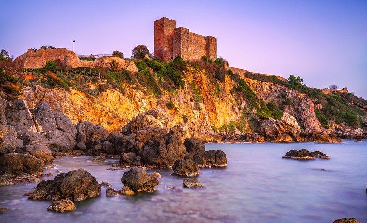 Talamone, eine Festung nach griechischen Legenden - Talamone Kleinstadt in der Maremma mit antiken Ursprüngen.